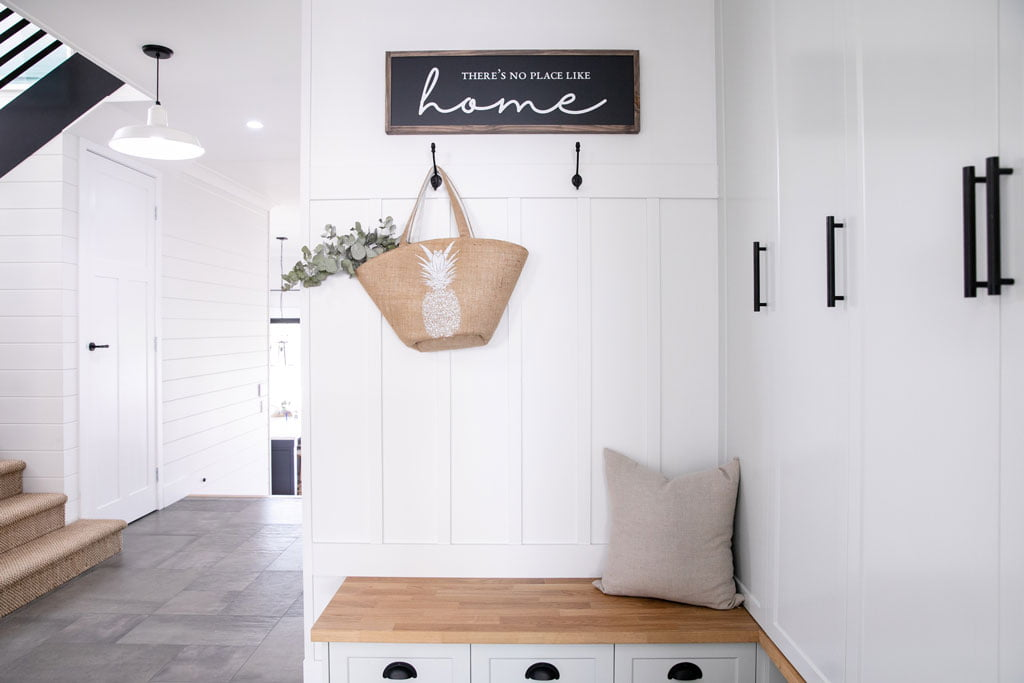 American styled mudroom home nook